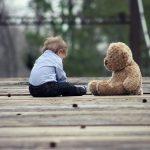 友人が勝手にうちの子供(3歳)と手をつないで改札通って行った。「預かってあげるから、1日のんびりしててよ」と。